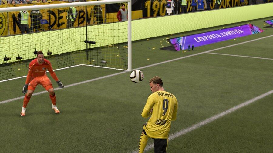 FIFA 21 Kopfball